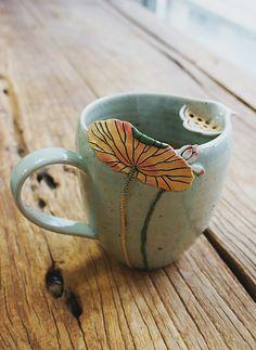 Pottery Mugs, Ceramic Pottery, Thrown Pottery, Slab Pottery, Pottery Designs, Mug Designs, Ceramic Mugs, Ceramic Art, Ceramic Bowls