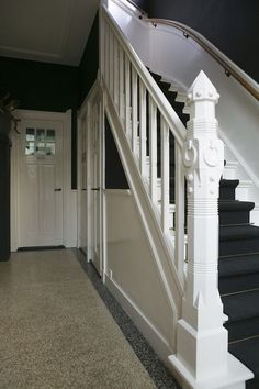 Gorgeous newel post, charcoal rug on stairs Style At Home, 1930s House, Entry Hallway, House Stairs, Stairway To Heaven, Home And Deco, Home Living, Terrazzo, Cottage Chic