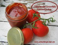 Zelf ketchup maken is veel makkelijker dan je denkt en met dit tomatenketchup recept maak je in een handomdraai de lekkerste en gezonde tomatenketchup.
