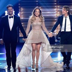 The one and only Jennifer Lopez @jlo wearing a dress made by @eliemadi @yascouture for the final episode of the American idol @americanidol  #jenniferlopez #jlo #americanidolfinale #AintYourMama