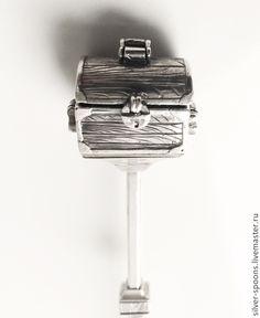 Серебряная чайная ложка. Авторское столовое серебро. Работа размещена для примера. Серебряная чайная ложка - хороший подарок на свадьбу, Юбилей, День рождения, новоселье, годовщины свадьбы, Крестин