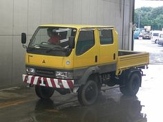 2002 4wd Canter. 72000 kms.  5240 cc diesel. Japanese auto auction find