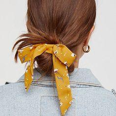 Tendance cheveux: le foulard en accessoire—Cet été, foulards et bandanas colorés s'invitent dans notre mise en beauté. Mode d'emploi!