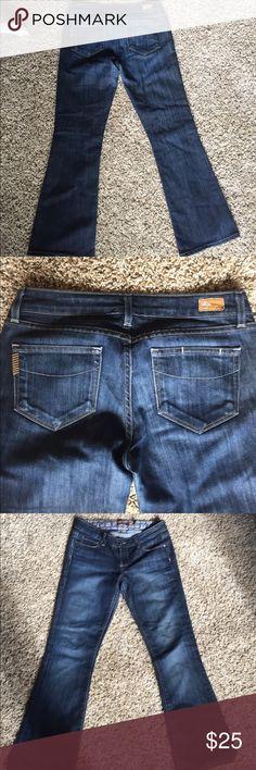 Paige Jeans 27 Like new Paige Laurel  Canyon Jeans size 27. Paige Jeans Jeans