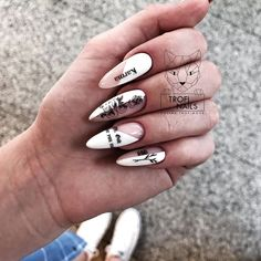 Prized by women to hide a mania or to add a touch of femininity, false nails can be dangerous if you use them incorrectly. Types of false nails Three types are mainly used. Minimalist Nails, Nail Swag, Stylish Nails, Trendy Nails, Karma Nails, Hair And Nails, My Nails, Punk Nails, Nagel Bling