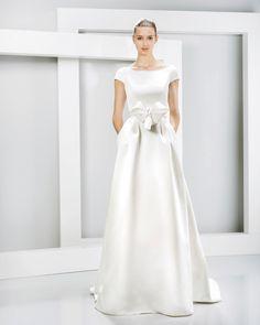'Nanda Devi' Jesús Peiró's Elegant 2016 Bridal Collection