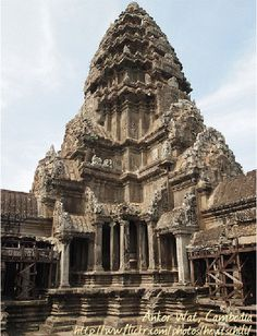 7 of the World's Most Inspiring Temples Asian Architecture, Ancient Architecture, Amazing Architecture, Angkor Wat Cambodia, World Pictures, Place Of Worship, World Heritage Sites, Places To Visit, Around The Worlds