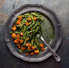 Here is a one-pot meal designed explicitly for the hungriness of a long-distance runner, with garlicky kale pesto and sweet roasted butternut squash. (Photo: Andrew Scrivani for The New York Times)