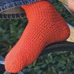 http://www.canadianliving.com/home-and-garden/diy-and-crafts/article/basic-crocheted-socks