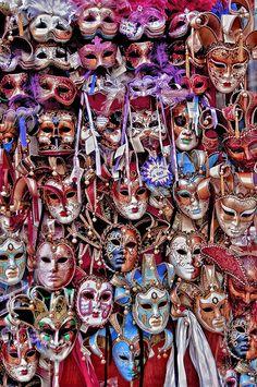 Venetian masks~ Ʀεƥɪאאεð вƴ ╭•⊰✿ © Ʀσxʌאʌ Ƭʌאʌ ✿⊱•╮