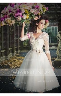 2b25a862c4b Charmantes V-Ausschnitt 3 4 Länge Ärmel Applikationemememen A-Linie Tüll  Kurzes . Hochzeitskleid ...