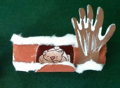 Bear in a cave Winter Crafts For Toddlers, Winter Activities, Christmas Crafts For Kids, Toddler Crafts, Winter Christmas, Winter Art, Winter Time, Candy Bar Sayings, Forest Crafts