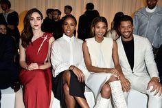 Pin for Later: Ces Célébrités Ont Gardé Leurs Meilleurs Looks Pour la Fashion Week de Paris Emmy Rossum, Kelly Rowland, Ciara, et Russel Wilson Au défilé Lanvin.