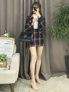 Korean Fashion Trends you can Steal – Designer Fashion Tips Korean Girl Fashion, Korean Fashion Trends, Korean Street Fashion, Ulzzang Fashion, Korea Fashion, Asian Fashion, Kpop Outfits, Korean Outfits, Girl Outfits