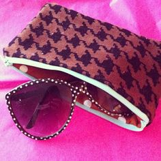 DIY sunglasses case... with zip and padding!