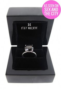 This is Carrie Bradshaw's ( Sarah Jessica Parker) 5 carat black diamond engagement ring with a 18 karat white gold band, that she received from Mr Big (Chris Noth) in the Sex And The City 2 movie! You can get the ring straight from the shop of the Black Diamond Engagement, Diamond Wedding Rings, Wedding Bands, Gothic Engagement Ring, Engagement Bands, Bridal Rings, Carrie Bradshaw, Unique Rings, Beautiful Rings