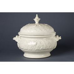 Pot à oille Object:Tureen and coverPlace of origin:France (made)Date:ca. 1720-ca. 1740 (made)Artist/Maker:Saint-Cloud porcelain factory (manufacturer)