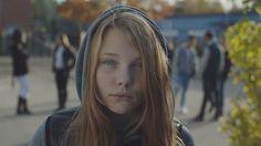 El vídeo que habla de la violencia de género desde la perspectiva de las niñas, chicas y mujeres...