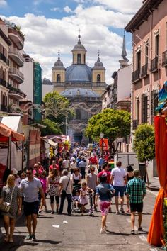 Good morning #Nomads! Do you know Madrid? Bustling with life and culture, the capital of Spain will welcome you with open arms and won't let you rest.  #NomadSpain #NomadSpirit #Travel #Spain #BackPacker #Mochilero #LowCost  https://www.nomadspain.com/guides_and_info/destination/madrid.html