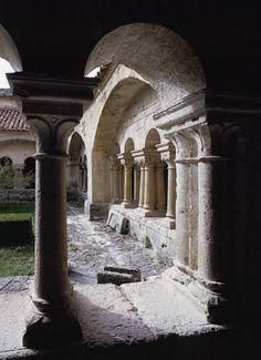Monastère de Ganagobie  Le Cloître