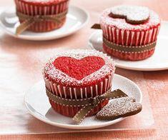 heart red velvet cupcakes