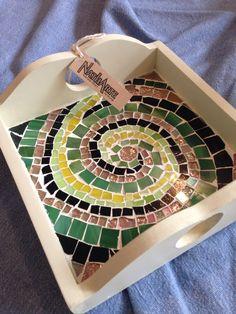 Espiral de vidrio, bandeja decorada en mosaico