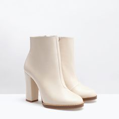 Image 2 of WIDE-HEELED LEATHER BOOTIE from Zara