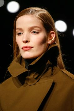http://www.style.com/slideshows/fashion-shows/fall-2015-ready-to-wear/donna-karan/details/41