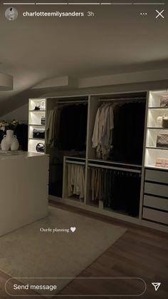 Dream Rooms, Dream Bedroom, Room Ideas Bedroom, Bedroom Decor, Room Interior, Home Interior Design, Dream Apartment, Dream Home Design, Aesthetic Bedroom