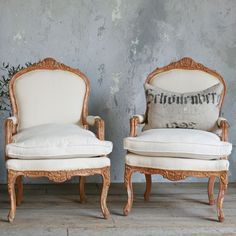 Incredible Chairs. Would look great at my dining room table!