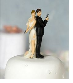 James Bond wedding cake topper- i should get this for my parents 40th anniversary