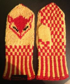 Kettukarkki tumput Crochet Cross, Knit Crochet, Knitting Projects, Knitting Patterns, Viking Pattern, Knit Art, Halcyon Days, Knit Mittens, Crafts To Do
