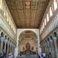 Basilica di Sant'Apollinare Nuovo, mais uma lindíssima, na lista de Patrimônio da Humanidade da Unesco - Instagram by @Aprendiz de Viajante