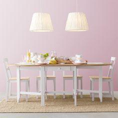 「小さい子供のいる家庭では丸テーブルだと安心ですよね。#GAMLEBY / #ガムレビー ゲートレッグテーブルは必要な時に両サイドを畳めるので、子供が遊べるスペースをもっと確保できちゃいます。 #イケア #IKEA #ikeajapan #IKEAカタログ2016 #出かけるより楽しいかも」