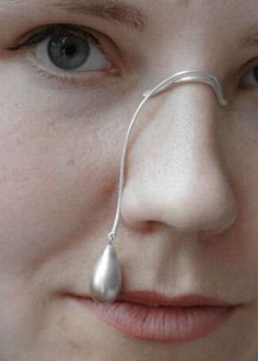Looks Can Kill 2004 | Anna Rikkinen – jewelry and objects