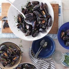 Mussels with Red Wine and Roasted Garlic - Whole Living Eat Well