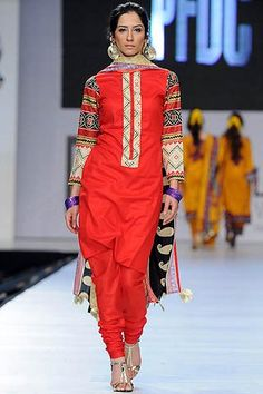 Ittehad Lawn 2012 @ 5th PFDC Sunsilk Fashion Week 2012    Read more: http://www.chicboutique.in/#ixzz22Ux2IdJu