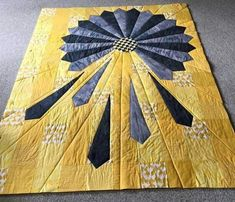 Good idea for a tie quilt wall hanging Cute Quilts, Lap Quilts, Small Quilts, Mini Quilts, Quilt Blocks, Dresden Plate Patterns, Dresden Plate Quilts, Quilt Patterns, Quilting Projects