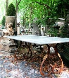 Lovely outdoor marble French pastry iron leg table - I have always wanted a table like this. Garden Table, Patio Table, Dining Room Table, A Table, Table Legs, Iron Furniture, Table Furniture, Garden Furniture, Outdoor Tables