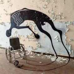 Brazilian street artist Herbert Baglione - Abandoned Psychiatric Hospital Becomes Creepy Graffiti Gallery Art And Illustration, Illustrations, Art Sinistre, Art Noir, Instalation Art, Urbane Kunst, Psychiatric Hospital, Abandoned Hospital, Arte Obscura