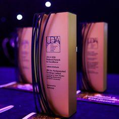 UDIA trofeos personalizados premios 03.jpg