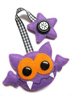 Bookmark Bat