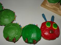 Very Hungry Caterpillar Cupcake Cake - fancy-edibles.com
