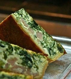 Recept: Zdravý vegetariánský quiche s brokolicí Spinach Quiche Recipes, Greek Spinach Pie, Cheese Quiche, Healthy Recepies, Feta, Summer Salad Recipes, Le Diner, French Food, Different Recipes