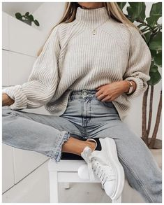 winter outfits for work . winter outfits for going out . winter outfits for school . Comfortable Winter Outfits, Cute Comfy Outfits, Casual Winter Outfits, Winter Fashion Outfits, Look Fashion, Stylish Outfits, Fall Outfits, Comfortable Clothes, Outfit Winter