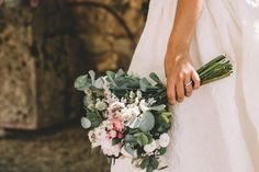 Wedding Bouquets, Wedding Dresses, Vestidos Vintage, Our Wedding, Floral Wreath, Wedding Inspiration, Poses, Flowers, Weddings