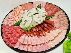 Sausage platter, sausages, sausage, serving, party - Delicious Meets Healthy: Quick and Healthy Wholesome Recipes Party Platters, Food Platters, Meat Appetizers, Thanksgiving Appetizers, Appetizers For Party, Sausage Platter, Meat Platter, Brunch Buffet, Party Buffet