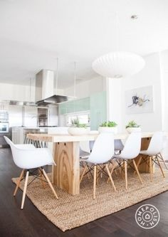 Trendy Farmhouse Dining Table And Chairs Interior Design Modern Dining, Kitchen Inspirations, Farmhouse Dining, Interior, Dining Room Design, Home Decor, House Interior, Dining Room Decor, Home Kitchens