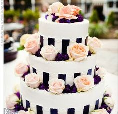 wedding cake with black vertical stripes | black and white stripped chairs | Vertical-striped ribbon added a bold ...