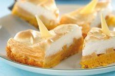 Tort de mere cu fulgi de porumb - Culinar.ro